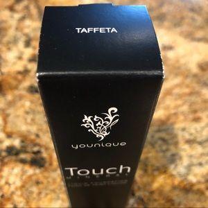 Taffeta -mineral touch foundation